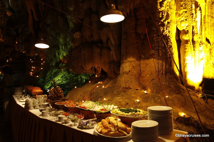 Delecious buffet in Cave